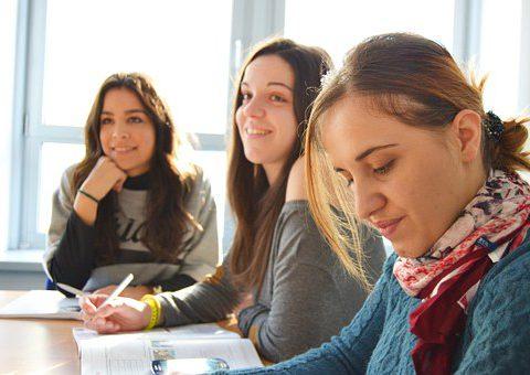 Het aanbod en de kwaliteit van werkleerplekken voor duaal leren. Een onderzoek naar de determinanten.