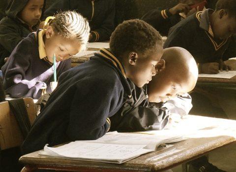 Ongelijkheden in het Vlaamse onderwijssysteem: verbetering in zicht? Een vergelijking tussen PISA 2003 en 2015