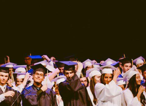 De meerwaarde van hoger onderwijs. Een analyse van de arbeidsmarktintrede van Vlaamse schoolverlaters