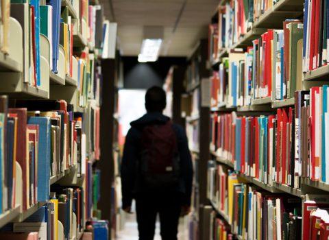 Effecten van verandering van onderwijsvorm op schoolse prestaties & academisch zelfconcept.
